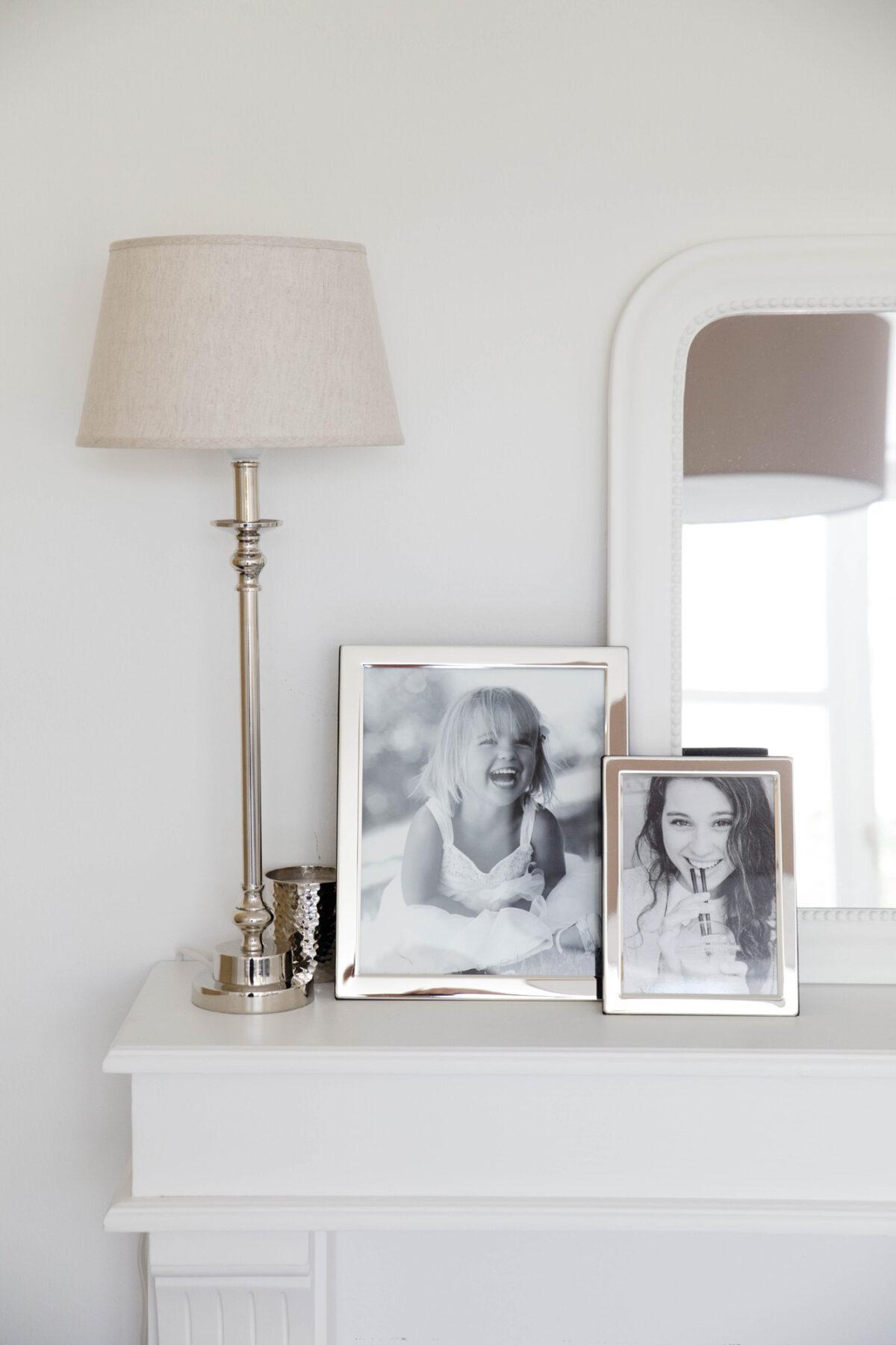 4742 Fotorahmen Salerno für Foto 15 x 20 cm, edel versilbert, anlaufgeschützt, grauer Samtrücken