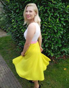 gelbes Sommerkleid Carolin Handschuh Missforty